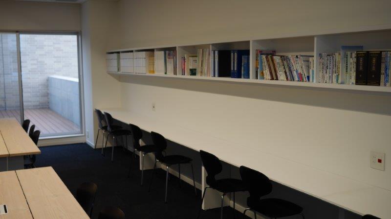 落ち着いた雰囲気の議会図書室